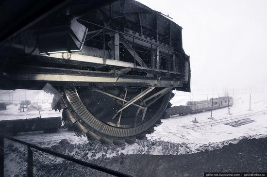Ekibastuz coal mine, Kazakhstan view 10