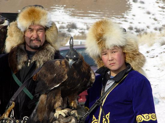 Kazakhstan - The hunt with tame hawks and falcons view 14