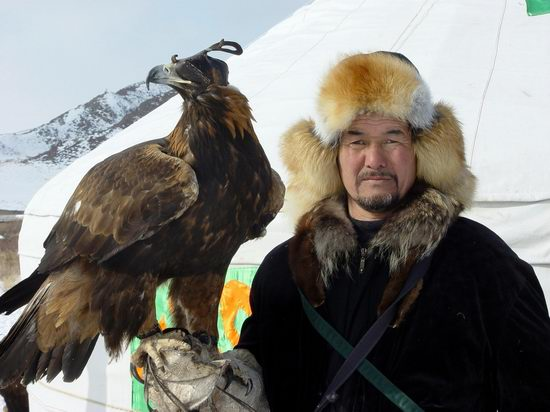 Kazakhstan - The hunt with tame hawks and falcons view 22