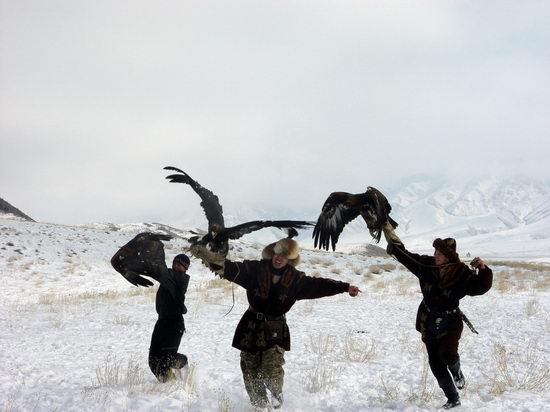 Kazakhstan - The hunt with tame hawks and falcons view 23