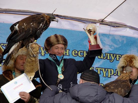 Kazakhstan - The hunt with tame hawks and falcons view 25