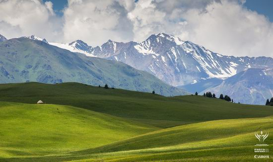 Summer pastures Taban-Karagai, Kazakhstan view 2