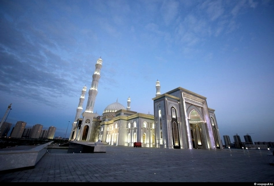 Hazrat Sultan Mosque, Astana, Kazakhstan photo 2