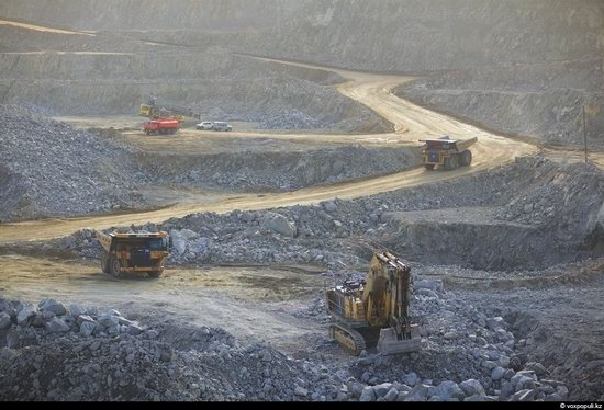 Gold mining in Kazakhstan photo 3