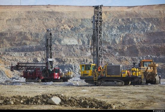 Gold mining in Kazakhstan photo 6
