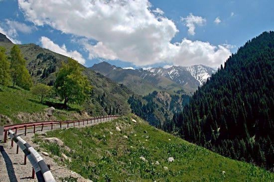 The Big Almaty Lake and surroundings, Kazakhstan, photo 3