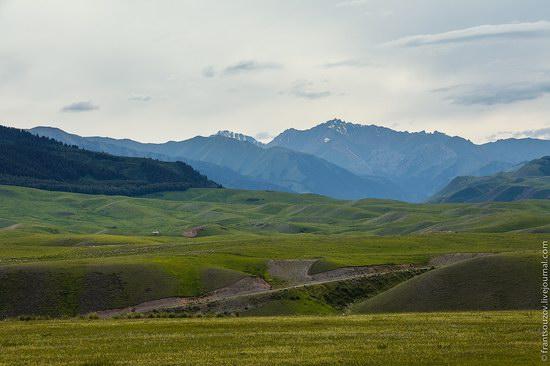 Walking along the mountain passes of Kazakhstan, photo 11