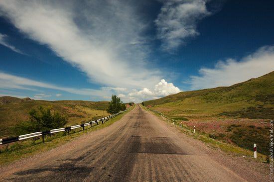 Walking along the mountain passes of Kazakhstan, photo 5