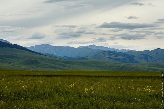 Walking along the mountain passes of Kazakhstan, photo 9