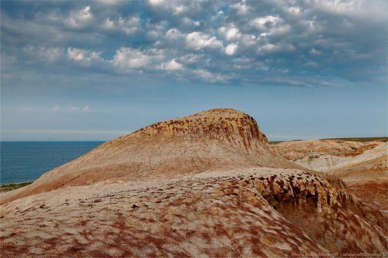 Flaming sand of Lake Zaysan, Kazakhstan, photo 4