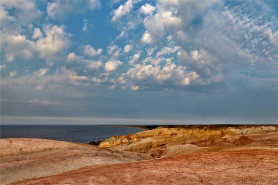 Flaming sand of Lake Zaysan, Kazakhstan, photo 5