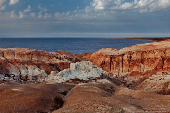 Flaming sand of Lake Zaysan, Kazakhstan, photo 6
