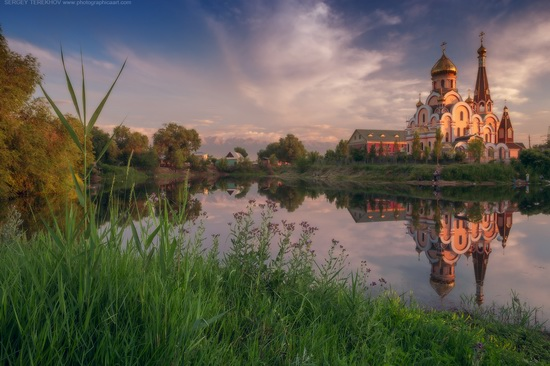 The Church of the Exaltation of the Holy Cross in Almaty, Kazakhstan, photo 3