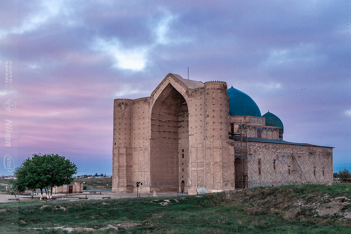 The mausoleum of khoja ahmed yasawi in turkestan for Architecture sites