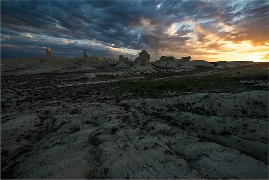 Akkergeshen limestone plateau, Atyrau region, Kazakhstan, photo 8