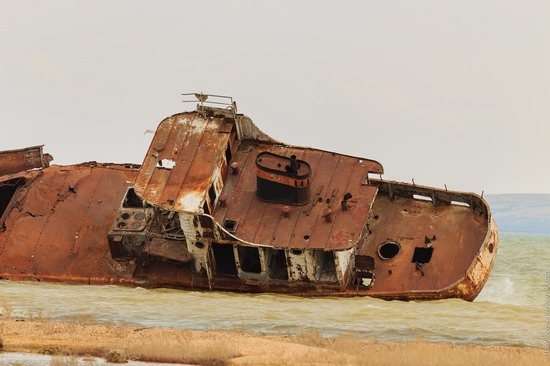 Ship graveyard, the Aral Sea, Kazakhstan, photo 15