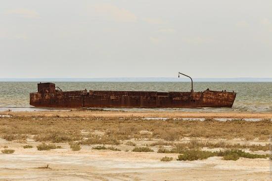 Ship graveyard, the Aral Sea, Kazakhstan, photo 16
