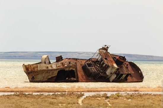 Ship graveyard, the Aral Sea, Kazakhstan, photo 17