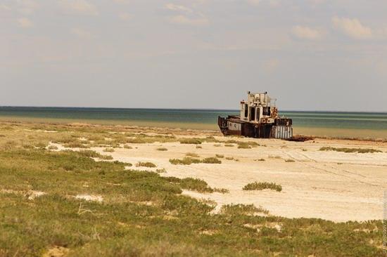 Ship graveyard, the Aral Sea, Kazakhstan, photo 18