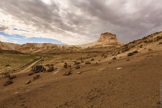 One day on Boszhira Tract, Kazakhstan, photo 4