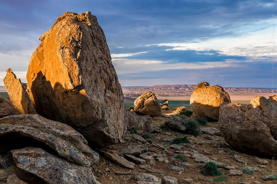 The field of spherical concretions Torysh in Mangistau, Kazakhstan, photo 6