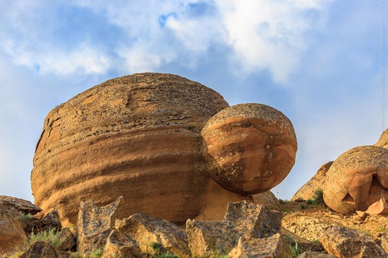 The field of spherical concretions Torysh in Mangistau, Kazakhstan, photo 9