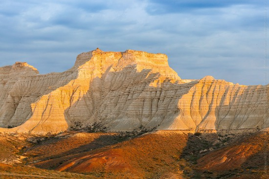 White cliffs of Aktolagay mountain ridge, Kazakhstan, photo 10