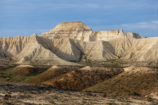 White cliffs of Aktolagay mountain ridge, Kazakhstan, photo 6
