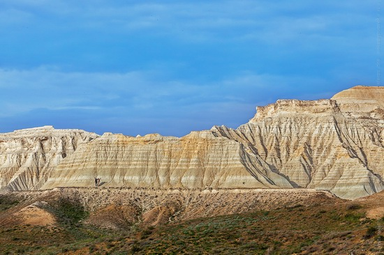White cliffs of Aktolagay mountain ridge, Kazakhstan, photo 8