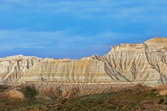 White cliffs of Aktolagay mountain ridge, Kazakhstan, photo 8