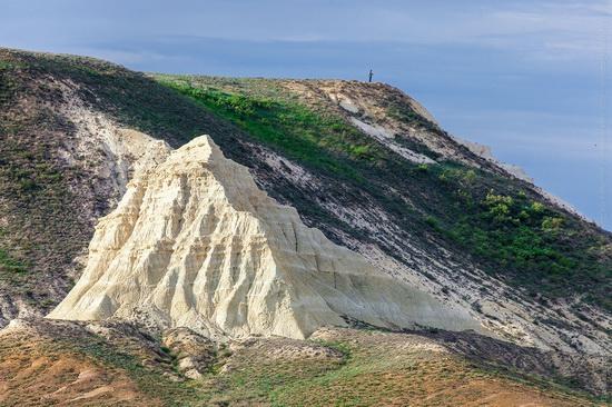 White cliffs of Aktolagay mountain ridge, Kazakhstan, photo 9