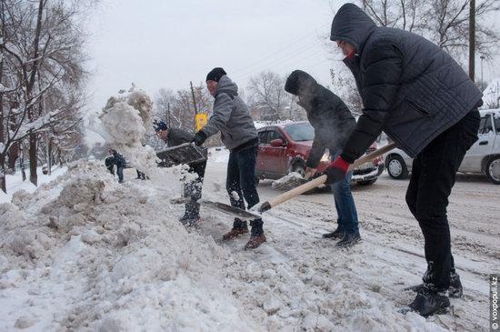 Almaty after heavy snowfall, Kazakhstan, photo 10