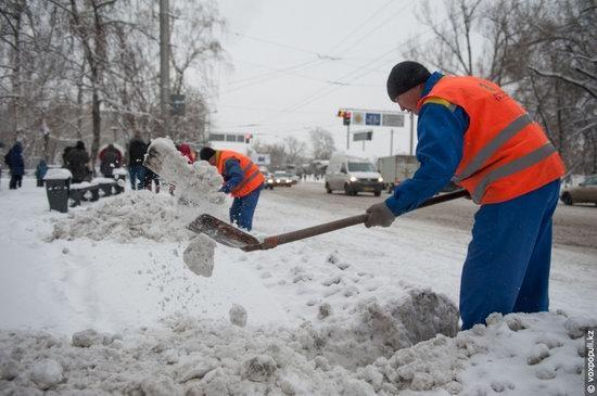 Almaty after heavy snowfall, Kazakhstan, photo 3
