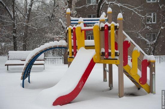 Almaty after heavy snowfall, Kazakhstan, photo 4