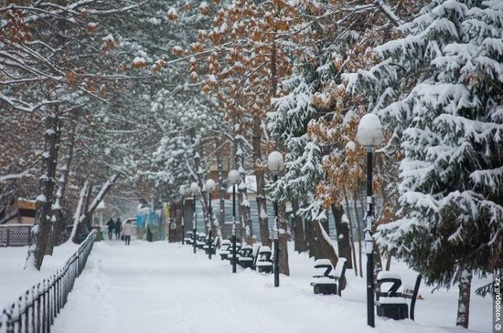 Almaty after heavy snowfall, Kazakhstan, photo 6