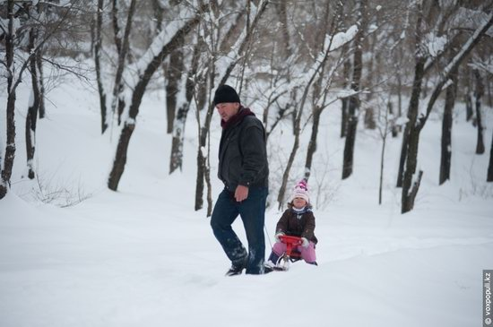 Almaty after heavy snowfall, Kazakhstan, photo 7