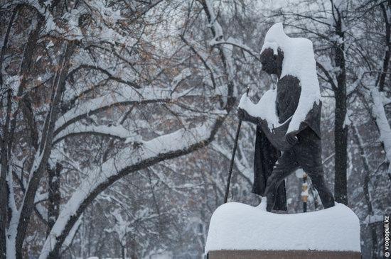 Almaty after heavy snowfall, Kazakhstan, photo 9