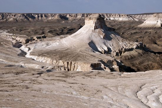 Chalky mountains of Boszhira, Western Kazakhstan, photo 1