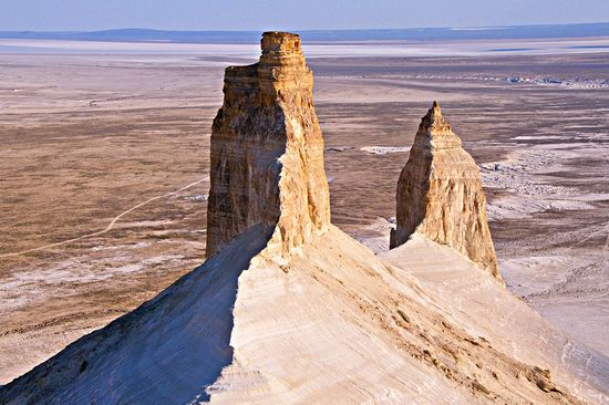 Chalky mountains of Boszhira, Western Kazakhstan, photo 2