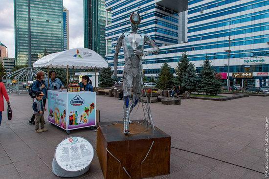 Walking through the center of Astana, Kazakhstan, photo 14