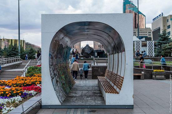Walking through the center of Astana, Kazakhstan, photo 17