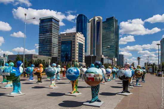 Walking through the center of Astana, Kazakhstan, photo 18