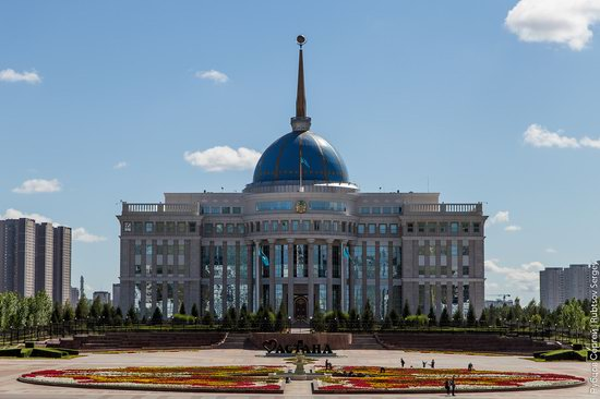 Walking through the center of Astana, Kazakhstan, photo 2