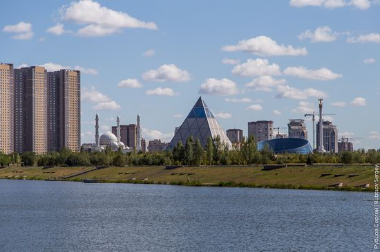 Walking through the center of Astana, Kazakhstan, photo 4