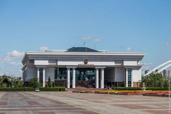 Walking through the center of Astana, Kazakhstan, photo 6