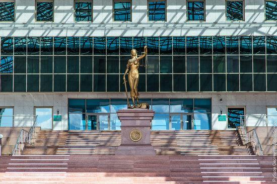 Walking through the center of Astana, Kazakhstan, photo 7