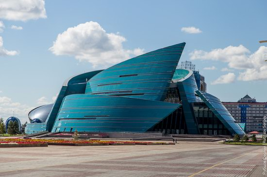 Walking through the center of Astana, Kazakhstan, photo 8