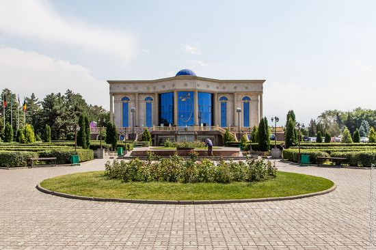 Walk around the center of Almaty, Kazakhstan, photo 15
