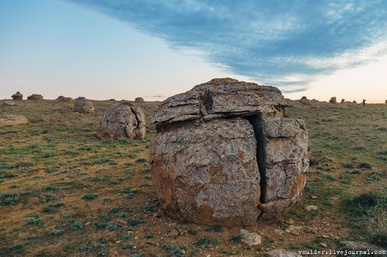 Valley of Stone Balls on Mangyshlak Peninsula, Kazakhstan, photo 10