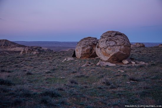 Valley of Stone Balls on Mangyshlak Peninsula, Kazakhstan, photo 11